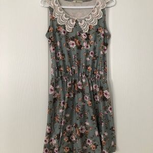 Floral vintage dress in small/OS